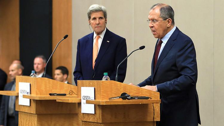 Serguéi Lavrov y John Kerry.