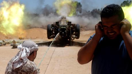 Ataque del Ejército libio contra las posiciones del EI