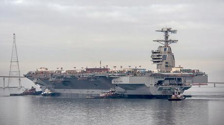 El portaviones de propulsión nuclear USS Gerald R. Ford de la Marina de EE.UU.