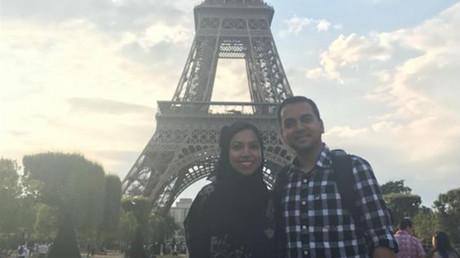 Nazia Ali (a la izquierda) y Faisal Ali (a la derecha) durante sus vacaciones en París, Francia