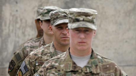 Soldados estadounidenses en el suelo afgano