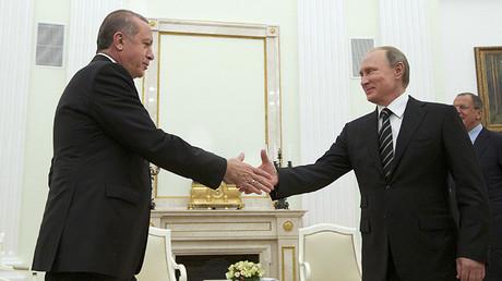 El presidente ruso recibe a su homólogo turco en el Kremlin. 23 de septiembre de 2015.