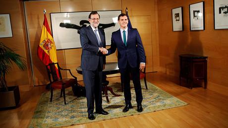El Presidente en funciones Mariano Rajoy y el líder de Ciudadanos Albert Rivera antes de su encuentro en el Parlamento Español el 3 de Agosto de 2016