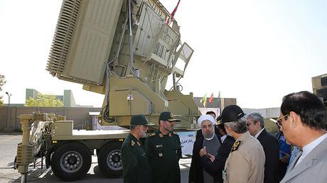 Enseñan a Hasán Rohaní un radar de fabricación iraní