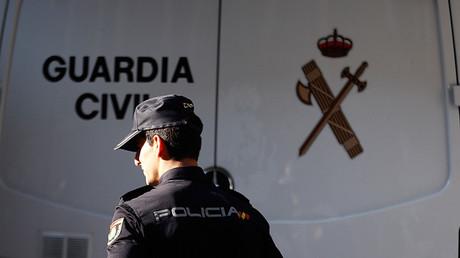 """""""Nos recuerda al golpe del 23F"""": Caos y enfrentamiento entre la Policía y la Guardia Civil en España"""