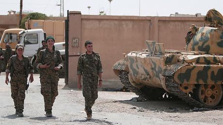 Combatientes kurdos de las Unidades de Protección Popular (YPG) en Hasaka, Siria.