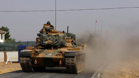 Tanques turcos se dirigen a Siria