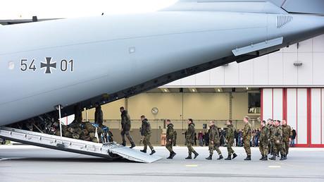 Personal de la Bundeswehr en la base aéra de la OTAN en Incirlik (Turquía)