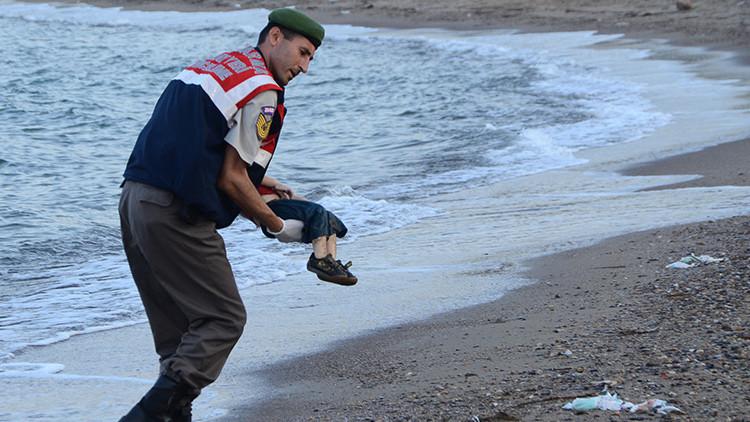 """""""La foto de mi hijo muerto no cambió nada"""": Cómo el mundo se olvidó del símbolo de la tragedia siria"""
