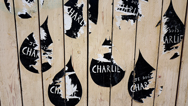 """Italia """"ya no es Charlie Hebdo"""": La revista compara a víctimas del terremoto con pasta italiana"""