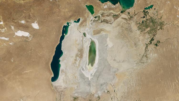 De cuarto lago más grande del mundo a un desierto: la NASA capta el drama del mar de Aral