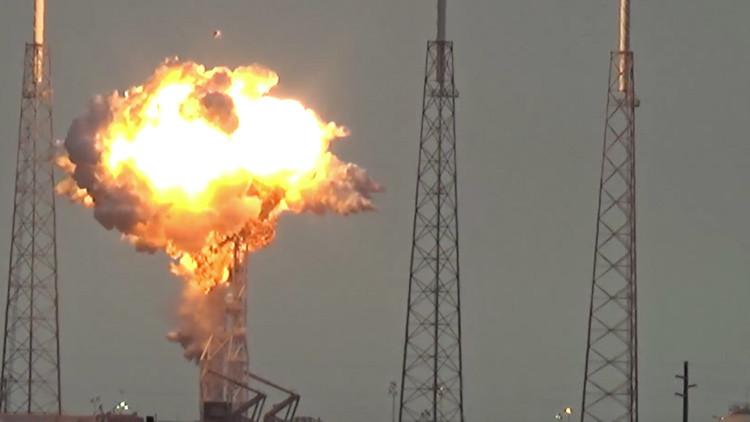 Elon Musk: Los astronautas hubieran sobrevivido a la explosión del Falcon 9