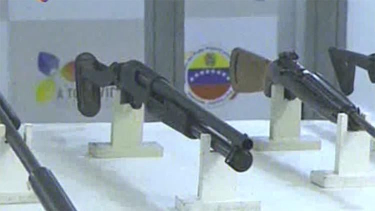 Armas confiscados por las autoridades venezolanas