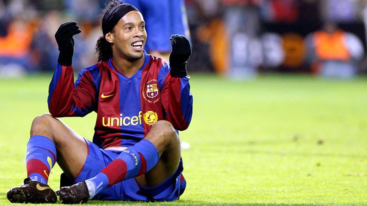 Ronaldinho 'vuelve' al FC Barcelona