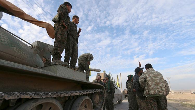 """Kurdos sirios prometen luchar hasta la muerte para detener la """"invasión"""" de Turquía en su territorio"""