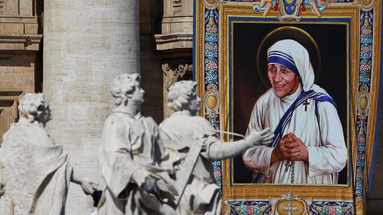 La madre Teresa ya es santa