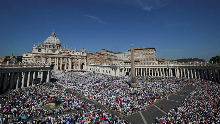 El papa invita a pizza napolitana a 1.500 pobres