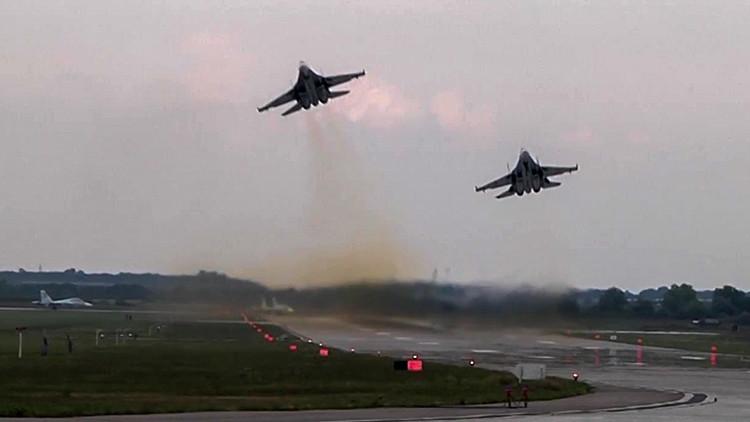 Primeros videos de los ejercicios militares a gran escala en el sur de Rusia
