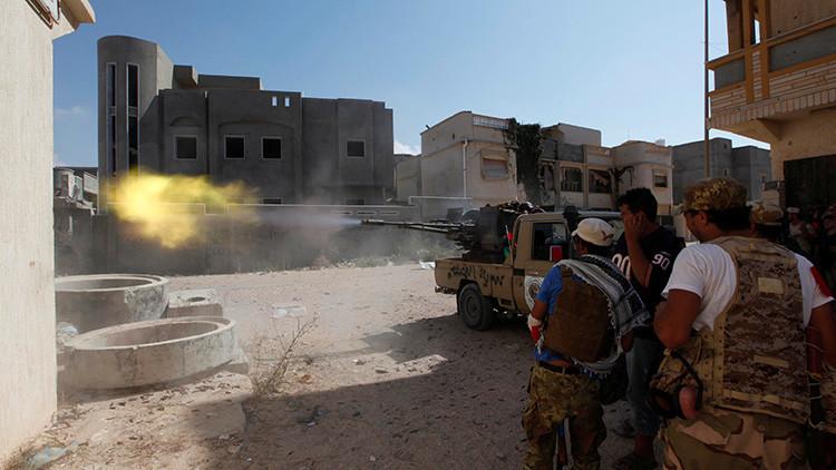 IMÁGENES EXCLUSIVAS: Equipo de RT esquiva un ataque suicida del Estado Islámico en Libia