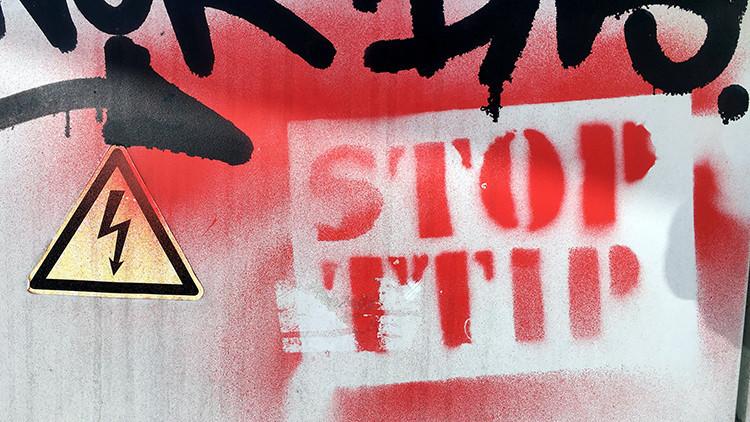 Eurodiputados de izquierdas y ecologistas se unen contra el TTIP y el CETA