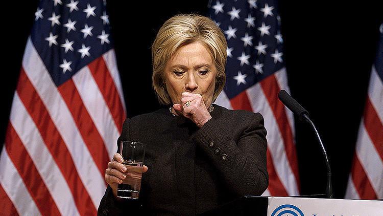 ¿Qué es esa 'misteriosa sustancia verde' que Hillary Clinton escupe en un vaso de agua? (Video)