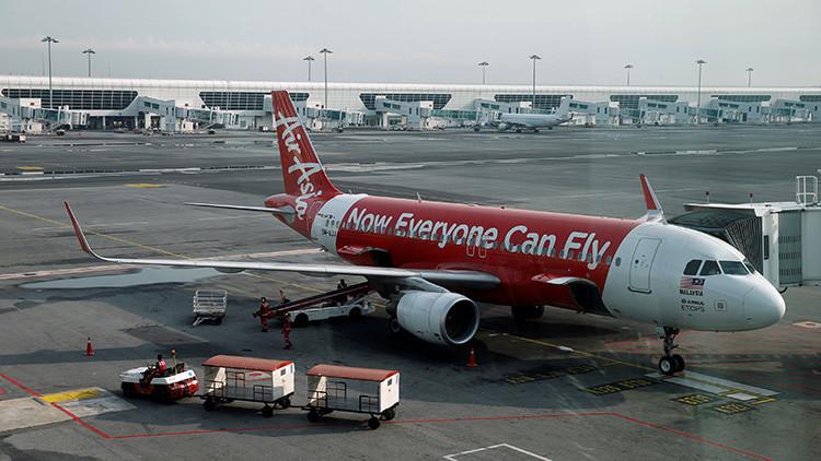 La increíble historia del piloto que aterrizó un avión de pasajeros en el país equivocado