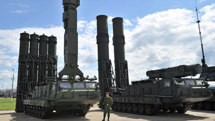 El sistema de defensa aérea ruso S-300V4 se arma con misiles hipersónicos