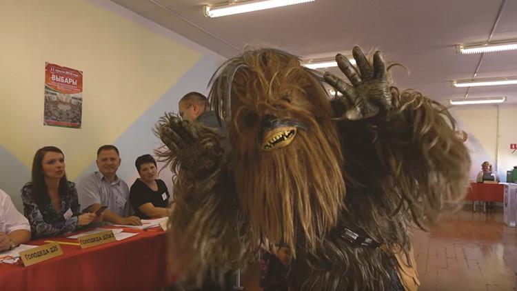 Elecciones en 'Star Wars': míticos personajes de ficción acuden a las urnas en Bielorrusia (video)