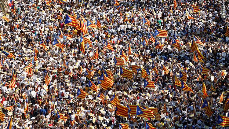 Cataluña: si no hay referéndum, habrá elecciones constituyentes