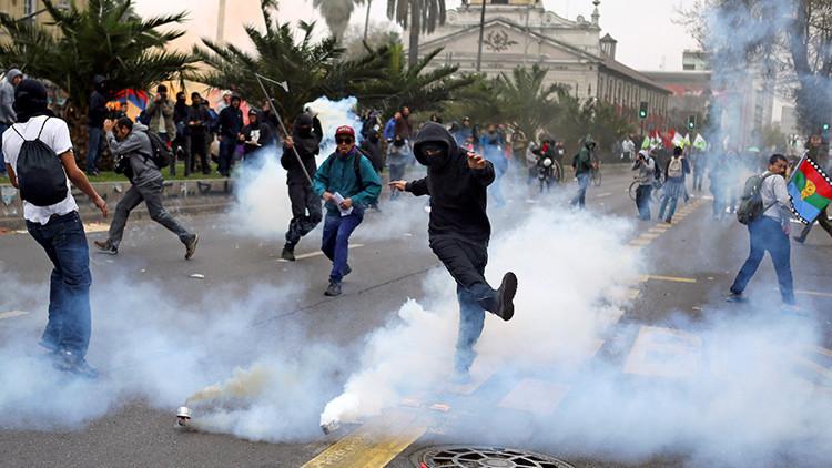 Disturbios durante el aniversario del golpe de Pinochet (VIDEO, FOTOS)