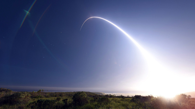 EE.UU. lanza dos misiles nucleares para probar si puede confiar en su arsenal