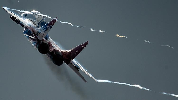 Increíble video en 360º desde un MIG-29 del grupo de acrobacia aérea Strizhí