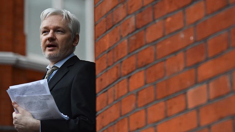 WikiLeaks revelará el historial médico de Julian Assange en desafío a Trump y Clinton