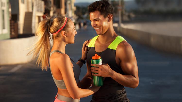 Revelan por qué los hombres tienen más músculo que las mujeres