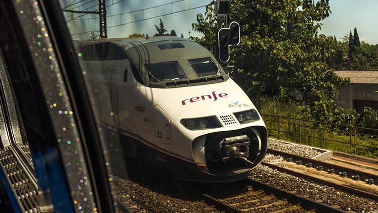 """'Mañana más': maquinista deja el tren a mitad de camino porque """"había terminado su jornada laboral"""""""