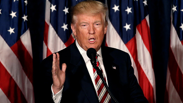 """Trump: """"El escándalo de correos de Clinton es mayor que el Watergate"""""""