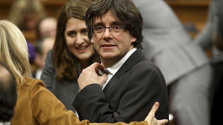 Cataluña: Artur Mas a un paso de sentarse en el banquillo por la consulta soberanista
