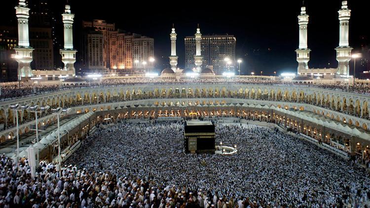 El embajador británico en Arabia Saudita se convierte al Islam y asiste al Hajj