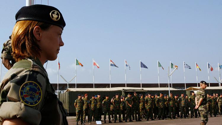 Juncker quiere que la UE deje de ser 'una horda de pollastres' y cree una fuerza militar común