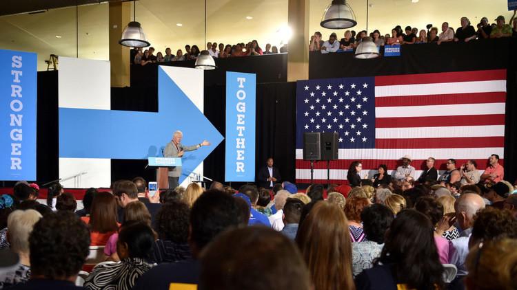 """""""La gran cortina de humo"""": Por qué convierten a Rusia en parte de la campaña electoral en EE.UU."""