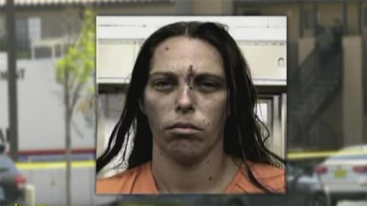 """""""El homicidio más horroroso"""": una madre disfruta viendo como violan y apuñalan a su hija de 10 años"""