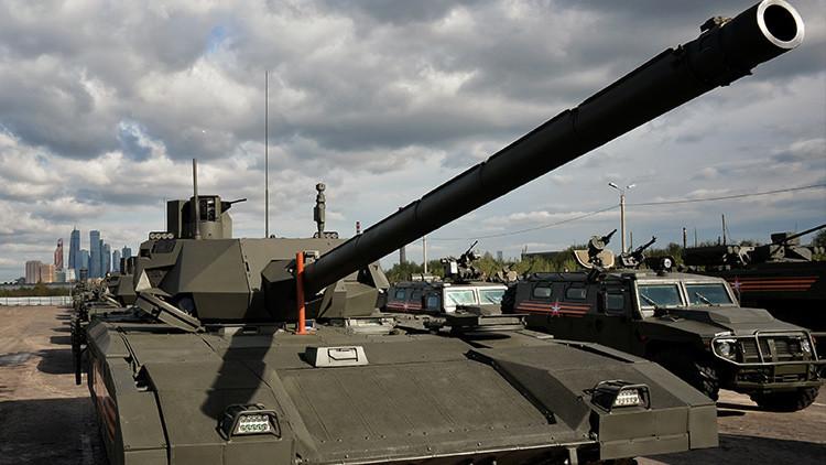 """""""Que nunca se encuentren"""": El tanque ruso T-14 Armata contra los mejores tanques y misiles de EE.UU."""