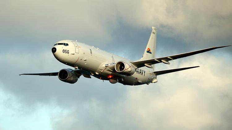 Un avión militar de EE.UU. se acerca a las bases de la Fuerza Aérea y la Armada de Rusia en Siria