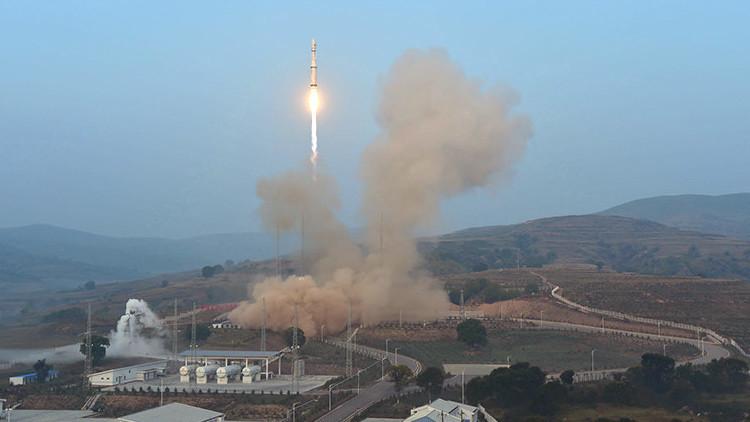 China lanza al espacio un reloj atómico que mantendrá su precisión durante un billón de años