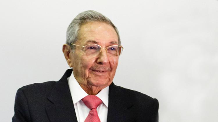 """Raúl Castro exige que EE.UU. ponga fin a """"políticas lesivas a la soberanía de Cuba"""""""