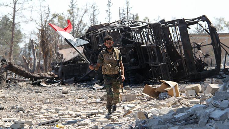 """Moscú sobre los pilotos que atacaron Siria: """"Entre negligencia criminal e indulgencia al EI"""""""