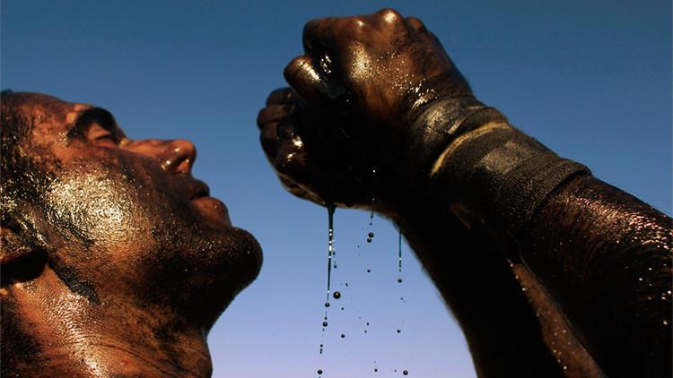 """""""El exсremento del diablo"""": Cómo administrar la riqueza que genera el petróleo"""