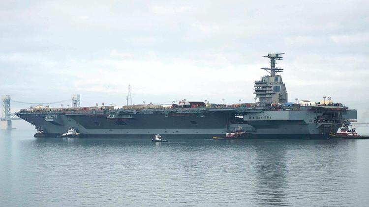 Los defectos que mantienen anclado al portaviones más caro de la historia