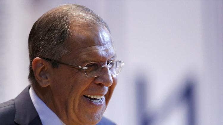 Video: Lavrov llega a la ONU a pie debido al tráfico causado por la caravana de Obama