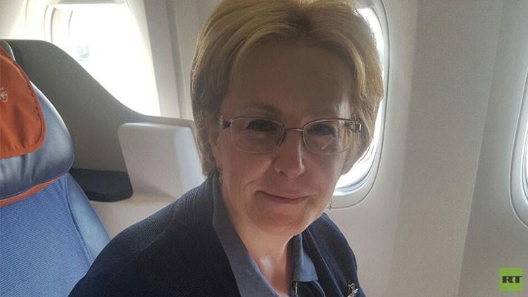 La ministra de Salud de Rusia le salva la vida a una pasajera en un vuelo rumbo a Nueva York